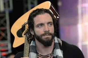 Wrestlezone image Elias' Big Backlash Concert Gets A 'Glorious' Interruption, New 'Total Bellas' Promo (Video)