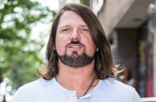 Wrestlezone image AJ Styles Responds To His Wrestlemania Challenger, The Usos Are Getting Gritty In Philly (Video)