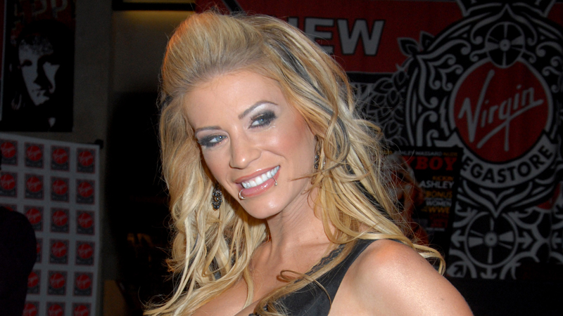 WWE star Ashley Massaro 'died by hanging'